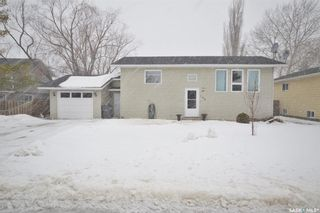 Photo 1: 104 Cottonwood Street in Caronport: Residential for sale : MLS®# SK842839