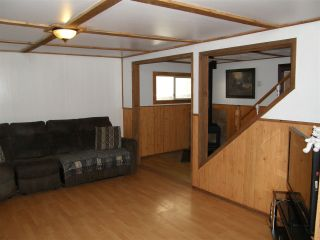 Photo 3: 535 DOUGLAS Street in Hope: Hope Center House for sale : MLS®# R2459629