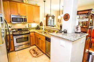 Photo 7: PACIFIC BEACH Condo for sale : 2 bedrooms : 1357 La Palma St in San Diego