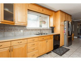 """Photo 11: 19659 36 Avenue in Langley: Brookswood Langley House for sale in """"Brookswood"""" : MLS®# R2496777"""