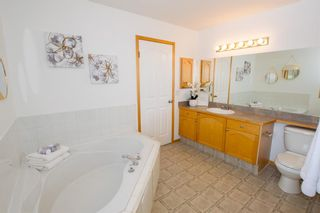 Photo 31: 186 Somerside Crescent SW in Calgary: Somerset Detached for sale : MLS®# A1085183