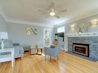 Photo 2: 28 Lotus St in : Vi Burnside House for sale (Victoria)  : MLS®# 883709