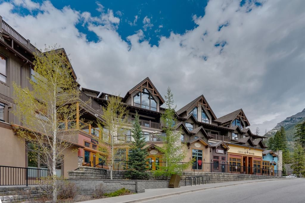 Main Photo: 201 701 Benchlands Trail: Canmore Apartment for sale : MLS®# A1113276