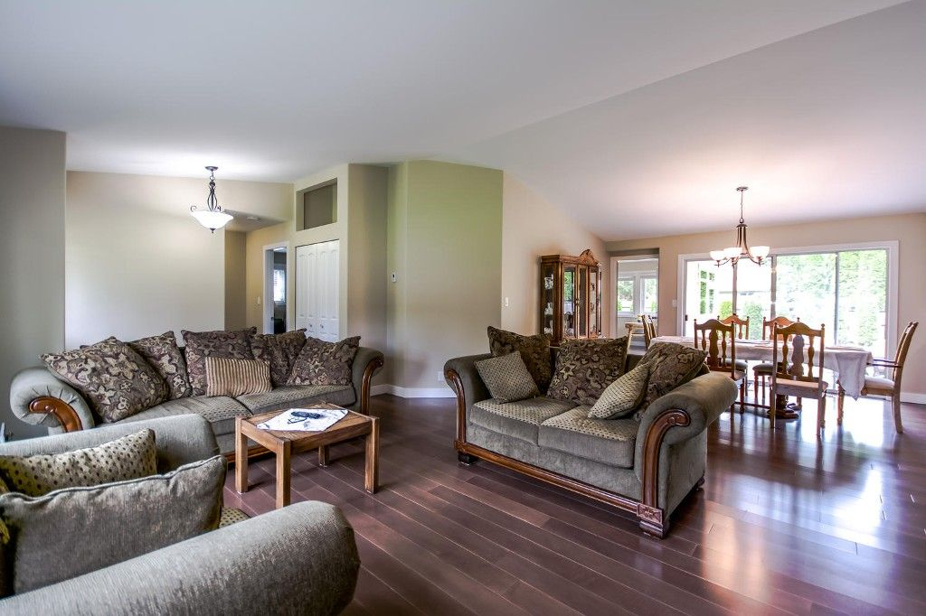 Photo 8: Photos: 4369 200a Street in Langley: Brookswood House for sale : MLS®# R2068522