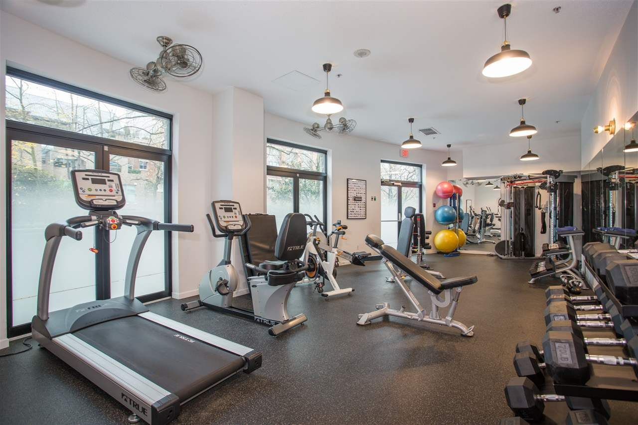 """Photo 19: Photos: 303 1159 MAIN Street in Vancouver: Downtown VE Condo for sale in """"CITY GATE II"""" (Vancouver East)  : MLS®# R2413773"""