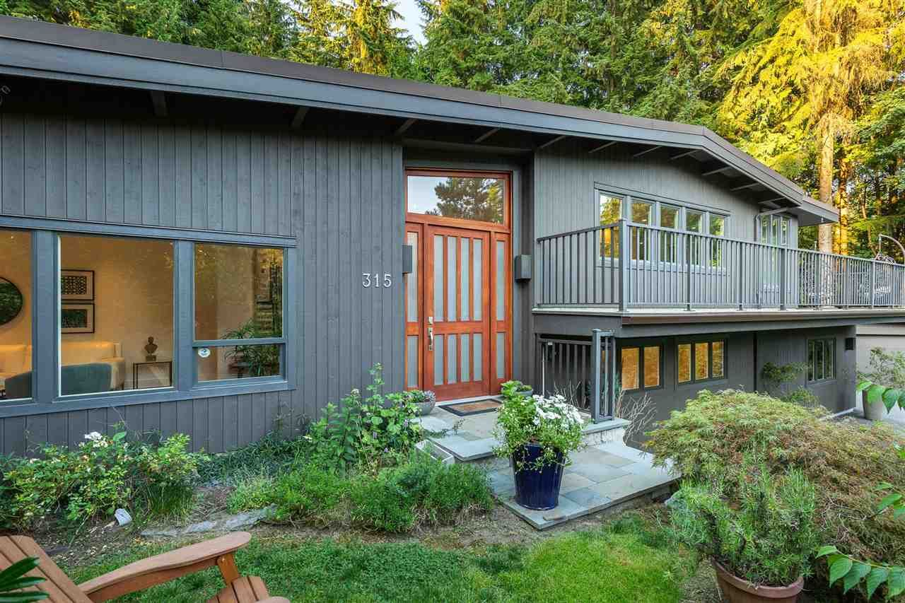 Main Photo: 315 MULGRAVE Place in West Vancouver: British Properties House for sale : MLS®# R2483368