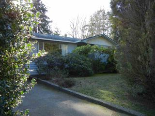 Photo 3: 15496 THRIFT Avenue: White Rock House for sale (South Surrey White Rock)  : MLS®# R2239533