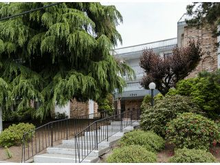 """Photo 18: 204 1544 FIR Street: White Rock Condo for sale in """"JUNIPER ARMS"""" (South Surrey White Rock)  : MLS®# F1412897"""