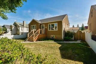 Photo 2: 10851 92 Street in Edmonton: Zone 13 House for sale : MLS®# E4258767