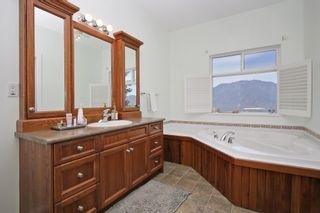 "Photo 8: 43228 HONEYSUCKLE Drive in Chilliwack: Chilliwack Mountain House for sale in ""Chilliwack Mountain Estates"" : MLS®# R2400536"