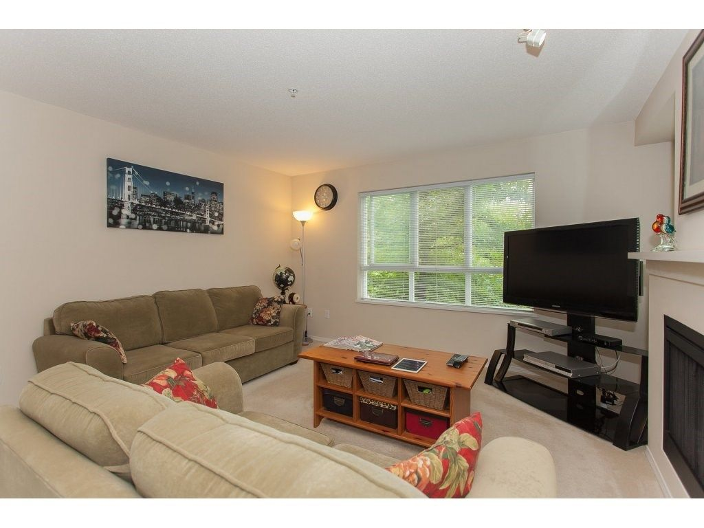 Photo 4: Photos: 48 6747 203 Street in Langley: Willoughby Heights Townhouse for sale : MLS®# R2202915