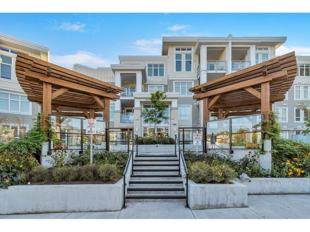 Welcome to #214 - 15436 31 ave at Headwaters Club; a newly built LUXE condo in S. Surrey with a beautiful garden patio! This unit is the largest plan w/773 SF and conveniently located between the elevator & exit door!