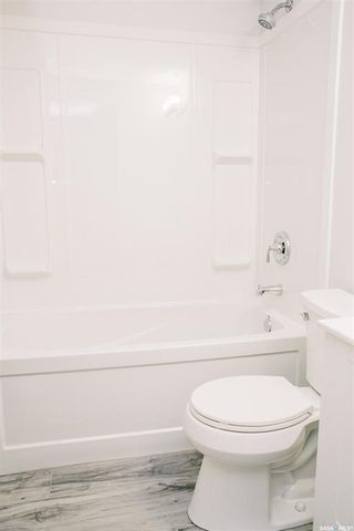 Photo 32: 117 Acadia Court in Saskatoon: West College Park Residential for sale : MLS®# SK872318