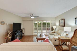 Photo 3: 104 1040 Rockland Ave in Victoria: Vi Downtown Condo for sale : MLS®# 887045