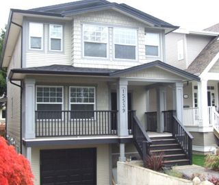 Photo 2: 15539 Thrift Ave in White Rock: Home for sale