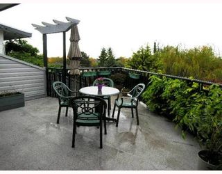 Photo 8: 275 N GAMMA Avenue in Burnaby: Capitol Hill BN House for sale (Burnaby North)  : MLS®# V756260