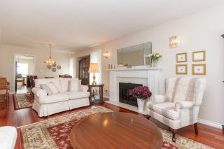 Photo 4: One owner Dean Park Home on Quiet Cul-de-Sac