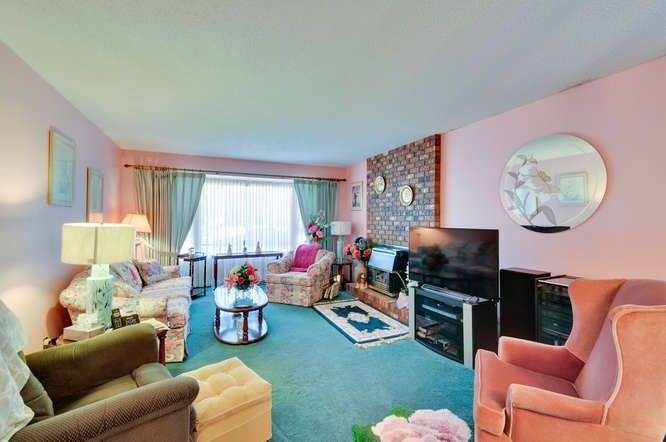 Photo 3: Photos: 15506 19 Avenue in Surrey: King George Corridor House for sale (South Surrey White Rock)  : MLS®# R2200836