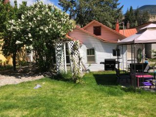 Photo 2: 106 ROSSLAND AVENUE in Trail: House for sale : MLS®# 2458438