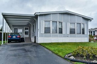 """Photo 2: 91 2303 CRANLEY Drive in Surrey: King George Corridor Manufactured Home for sale in """"Sunnyside"""" (South Surrey White Rock)  : MLS®# R2237731"""