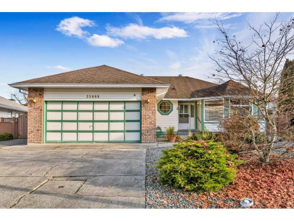 "Main Photo: 23068 121A Avenue in Maple Ridge: East Central House for sale in ""Bolsom Park"" : MLS®# R2422240"