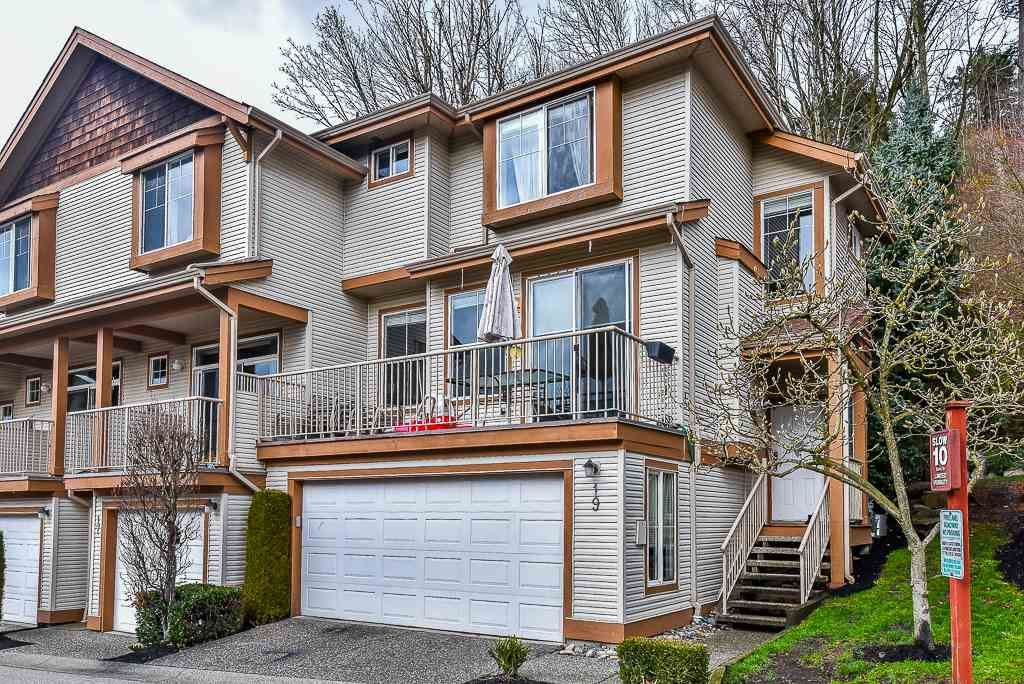 """Main Photo: 19 35287 OLD YALE Road in Abbotsford: Abbotsford East Townhouse for sale in """"THE FALLS"""" : MLS®# R2224686"""