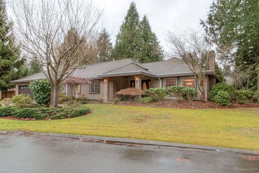 "Main Photo: 3060 NORTHCREST Drive in Surrey: Elgin Chantrell House for sale in ""Elgin Park"" (South Surrey White Rock)  : MLS®# R2035886"