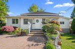 Main Photo: 461 LYON Place in North Vancouver: Central Lonsdale House for sale : MLS®# R2579580