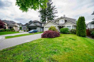 """Photo 3: 7319 146A Street in Surrey: East Newton House for sale in """"Chimney Heights"""" : MLS®# R2491156"""