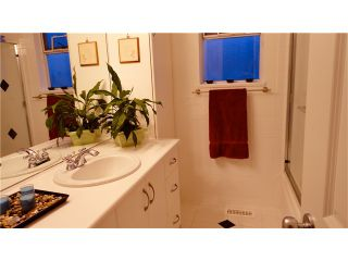 """Photo 7: 3680 BARMOND Avenue in Richmond: Seafair House for sale in """"RICHMOND PARK 'THE MOUNDS'"""" : MLS®# V869907"""