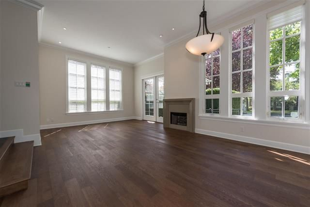 Photo 3: Photos: 1739 W 52ND AV in VANCOUVER: South Granville House for sale (Vancouver West)  : MLS®# R2234704