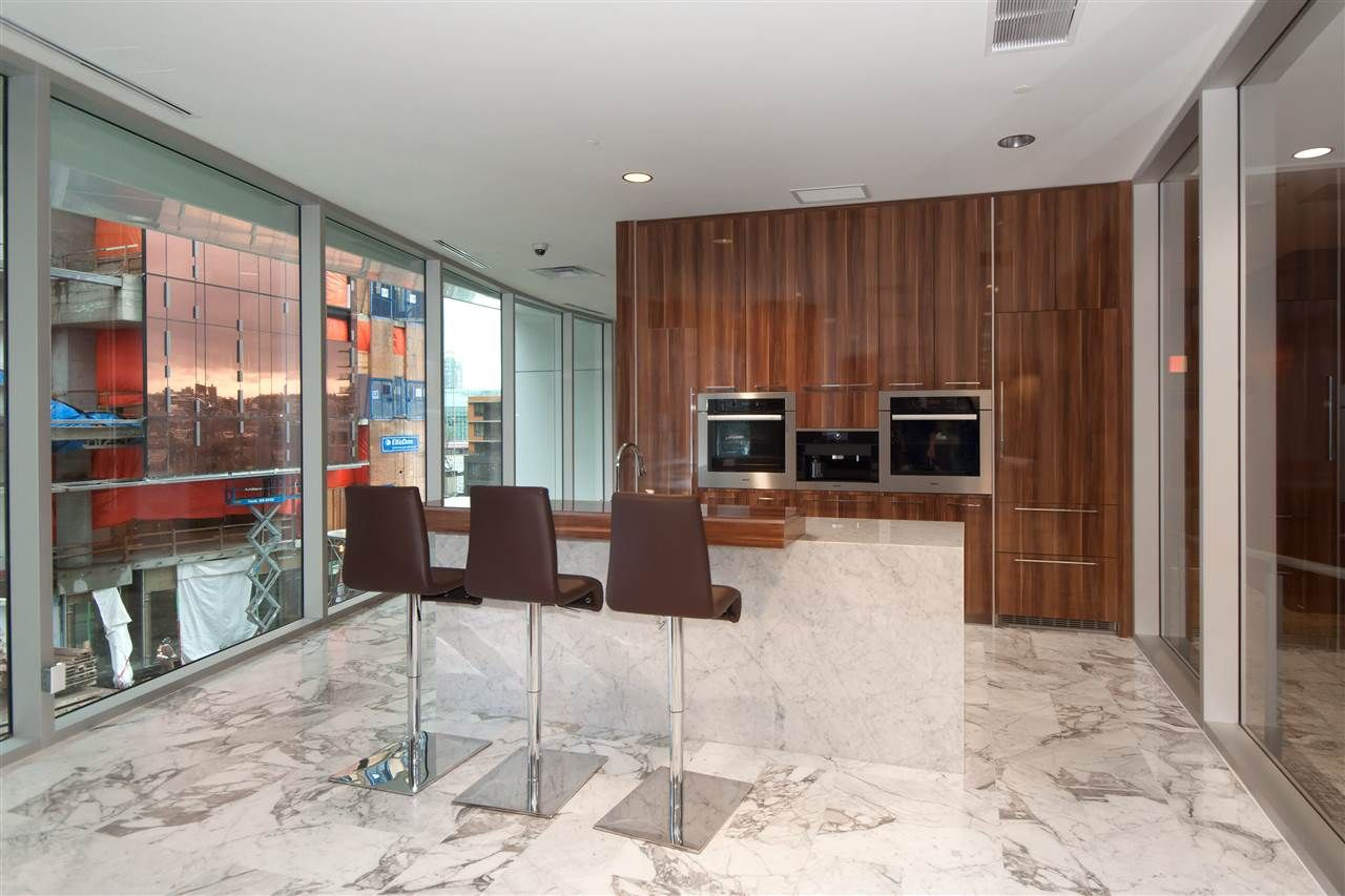 """Photo 18: Photos: 1908 68 SMITHE Street in Vancouver: Downtown VW Condo for sale in """"1 PACIFIC"""" (Vancouver West)  : MLS®# R2216431"""