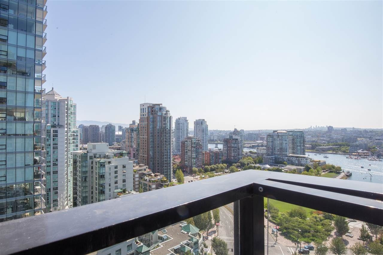 "Photo 15: Photos: 2507 1438 RICHARDS Street in Vancouver: Yaletown Condo for sale in ""AZURA ONE"" (Vancouver West)  : MLS®# R2394996"