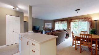 "Photo 3: 16 39920 GOVERNMENT Road in Squamish: Garibaldi Estates Townhouse for sale in ""Shannon Estates"" : MLS®# R2312961"