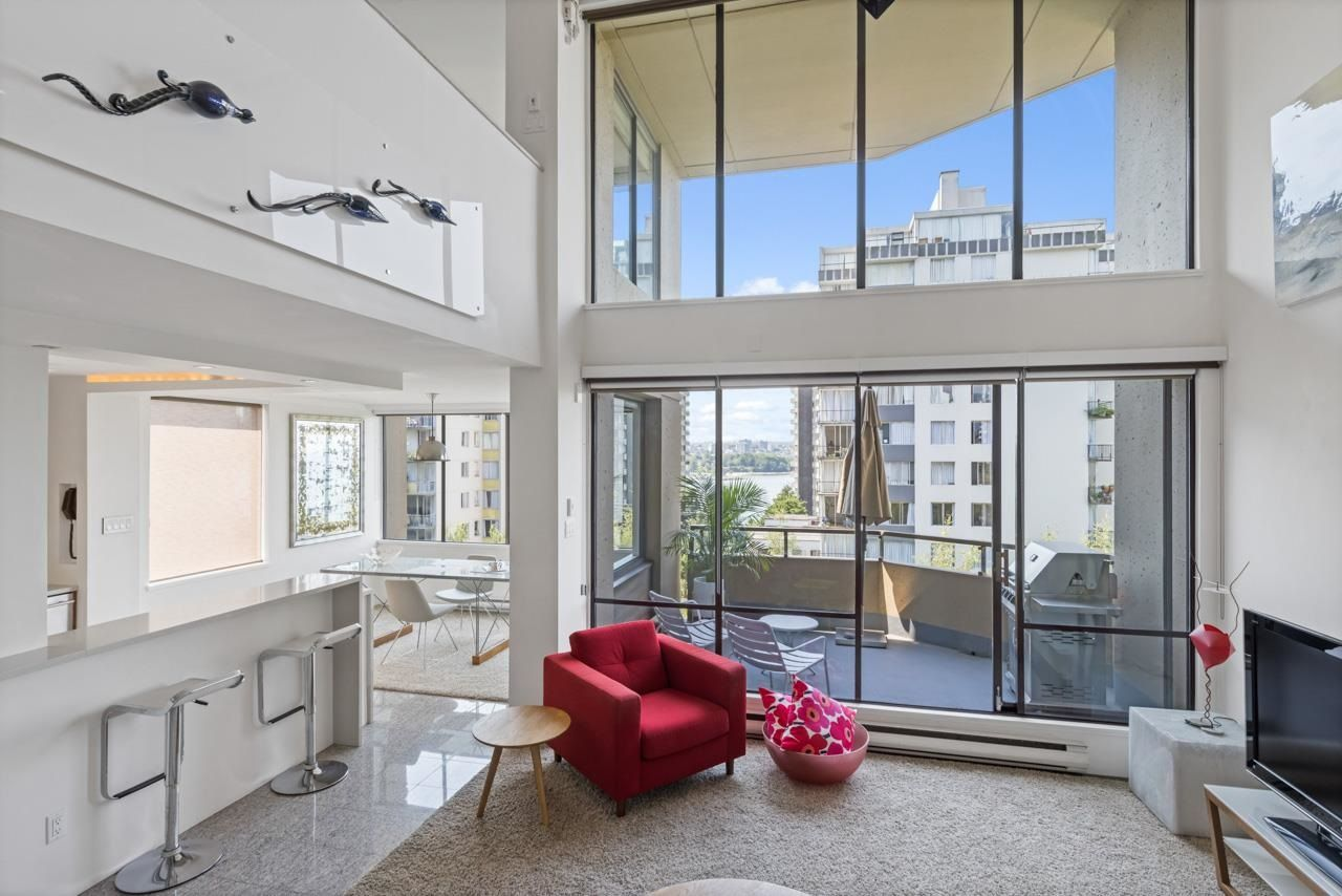 """Main Photo: 803 1236 BIDWELL Street in Vancouver: West End VW Condo for sale in """"Alexandra Park"""" (Vancouver West)  : MLS®# R2617770"""