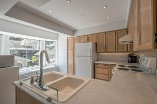 Photo 11: 9263 GOLDHURST TERRACE in Burnaby: Forest Hills BN Townhouse for sale (Burnaby North)  : MLS®# R2171039