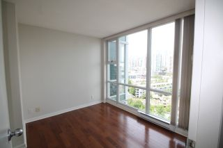 """Photo 14: 2006 1077 MARINASIDE Crescent in Vancouver: Yaletown Condo for sale in """"MARINASIDE RESORT"""" (Vancouver West)  : MLS®# R2074726"""
