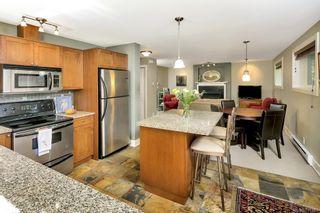 Photo 6: 2 727 Linden Ave in : Vi Fairfield West Condo for sale (Victoria)  : MLS®# 731385