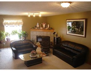 Photo 4:  in CALGARY: Applewood Residential Detached Single Family for sale (Calgary)  : MLS®# C3254303