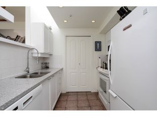 """Photo 9: 203 657 W 7TH Avenue in Vancouver: Fairview VW Townhouse for sale in """"THE IVY'S"""" (Vancouver West)  : MLS®# V1059646"""