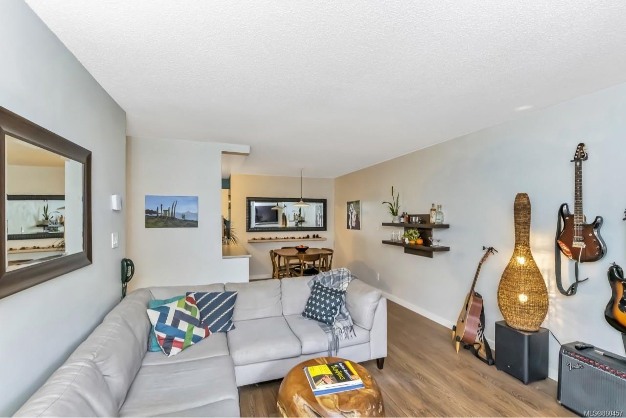 Photo 5: Photos: 105 2529 Wark St in : Vi Hillside Condo for sale (Victoria)  : MLS®# 860457