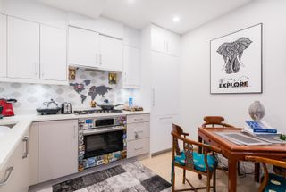"""Photo 8: 2 1150 COMOX Street in Vancouver: West End VW Condo for sale in """"Gables at Nelson Park"""" (Vancouver West)  : MLS®# R2621813"""