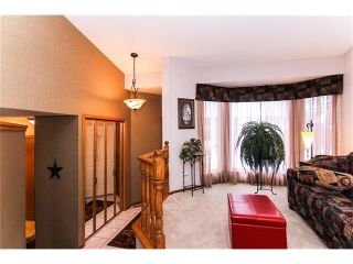 Photo 6: 139 MCKERRELL Way SE in Calgary: McKenzie Lake House for sale : MLS®# C4102134