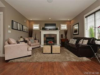 Photo 2: 4050 Copperfield Lane in VICTORIA: SW Glanford House for sale (Saanich West)  : MLS®# 704184