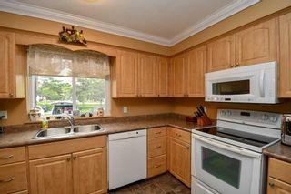 Photo 2: 12 70 Laguna Parkway in Ramara: Brechin Condo for sale : MLS®# S4481821