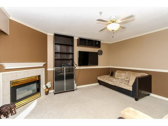 """Photo 6: Photos: 29 5666 208TH Street in Langley: Langley City Townhouse for sale in """"THE MEADOWS"""" : MLS®# F1437593"""