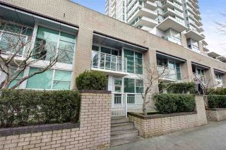 Photo 2: TH2 188 E ESPLANADE in North Vancouver: Lower Lonsdale Townhouse for sale : MLS®# R2525261