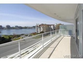 Photo 13: 212 68 Songhees Rd in VICTORIA: VW Songhees Condo for sale (Victoria West)  : MLS®# 499543