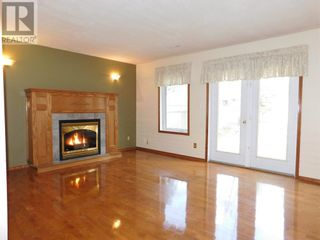 Photo 21: Beautifully maintained 4 bedroom home on the East end of Edson
