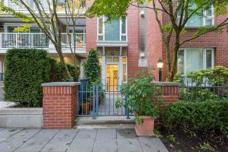 "Photo 1: 103 2628 YEW Street in Vancouver: Kitsilano Condo for sale in ""CONNAUGHT PLACE"" (Vancouver West)  : MLS®# R2514048"